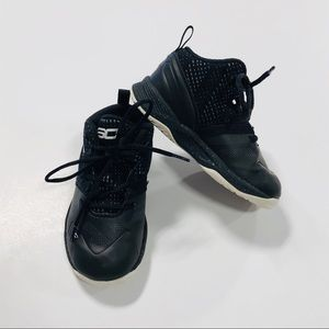 Under Armour 6K Black Mid Top Lace Up Sneakers